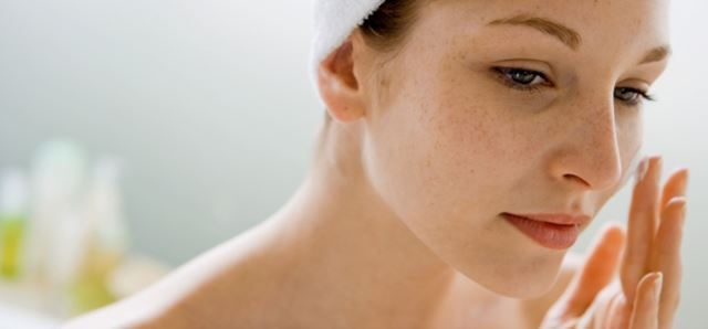 How Seasonal Change Affects Your Skin